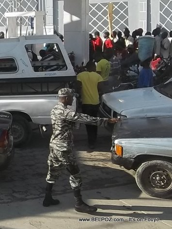 Haiti Gas Shortage, Long Line at the Gas Pumps