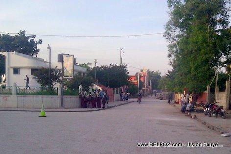 Eleve Lekol,  Hinche Haiti - Bò Plas la...