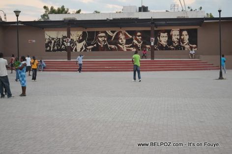 Photos des Heros Haitiens - Place d 'Armes, Gonaives Haiti