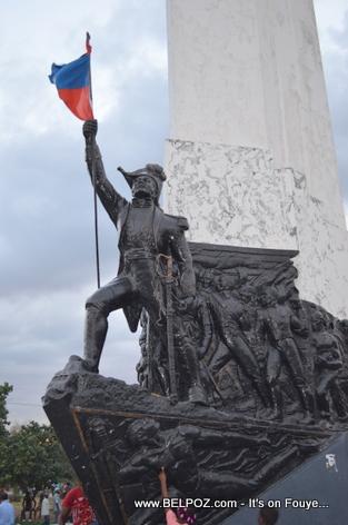 Monument Empereur Dessalines - Place d 'Armes - Gonaives Haiti