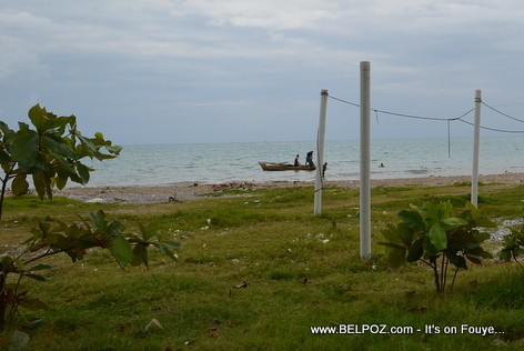 Fishermen fishing at Gelee Beach - Les Cayes Haiti