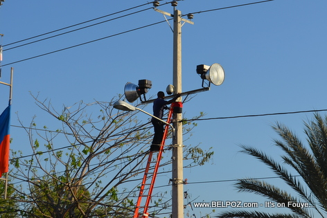 Gonaives Haiti - EDH Installing Lights