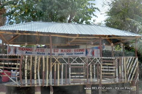 Haiti - Anba Tonel - Wooden Pergola