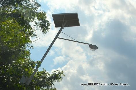 Haiti - Lampadaire solaire - Solar Lamp Post