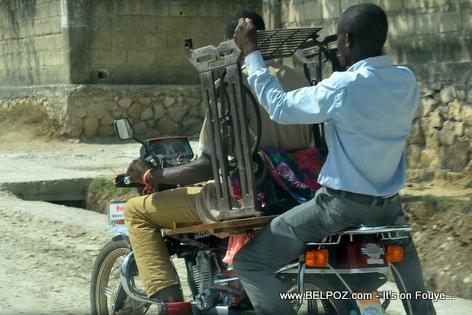 Haiti - Machine a Coudre Sou Moto