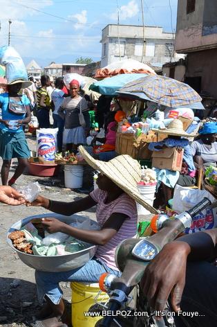 Haiti - Ti Machann nan marche Gonaives