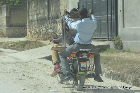 Haiti - Transport Machine a Coudre Sou Moto