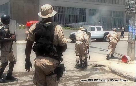 Haiti Manifestation - CIMO bloke wout manifestan yo -  28 Avril 2014