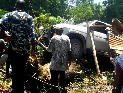 PHOTO: Car Accident in Haiti