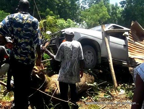 PHOTO: Car Accident in Haiti