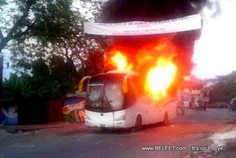 PHOTO: Capital Coach Line Bus Burned in Petit Goave