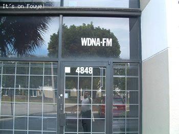 88.9 FM WDNA PUBLIC RADIO