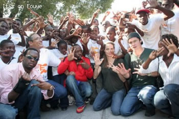 Angelina Jolie & Brad with the Haiti kids