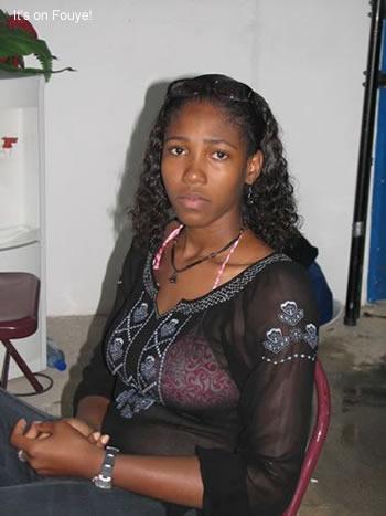 Sexy haitian girl