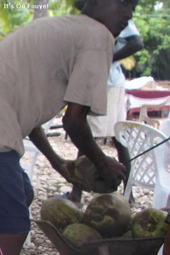 Machann Kokoye sou Plaj Haiti