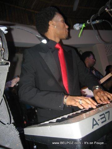 Zenglen Live, Djumbala Night Club