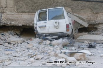 A Building Fell On This Toyota Land Cruiser