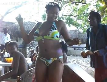 Haiti Cherie, Twoubadou At The Beach