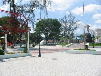 Downtown Arcahaie Haiti 66 Apr 04