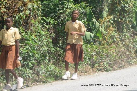 Eleve Lekol Haitian Students Gonaives Haiti